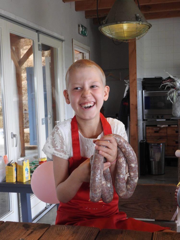 Meneer Wateetons vervult een liefste wens: salami leren maken