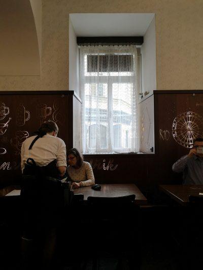 Meneer eet uit in Praag